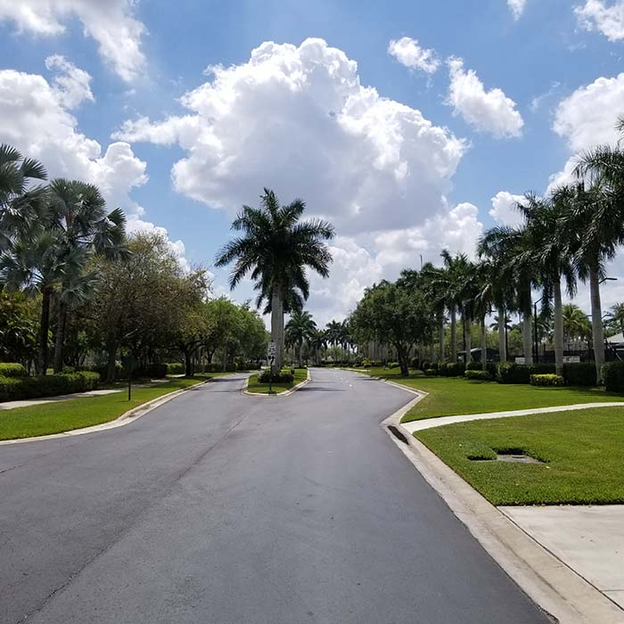 commercial lawn maintained by rick roberts